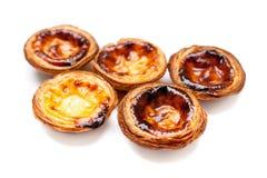 Typische Portugese dessert pasteis DE nata isoleerde op witte bac Royalty-vrije Stock Afbeeldingen