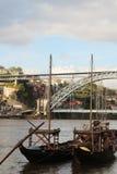 Typische rabelo Boote in dem Duoro-Fluss in Porto, Portugal Stockfoto