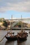 Typische rabelo Boote in dem Duoro-Fluss in Porto, Portugal Stockbild
