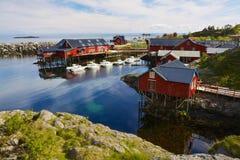 Fischerdorf in Norwegen lizenzfreies stockbild