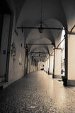 Typische Säulengänge im Bologna Stockfotografie