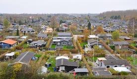 Typische Skandinavische woonwijk in Kopenhagen, Denemarken, een luchtmening Kleine mooie kleurrijke huizen Royalty-vrije Stock Afbeelding