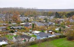 Typische Skandinavische woonwijk in Kopenhagen, Denemarken, een luchtmening Kleine mooie kleurrijke huizen Stock Foto