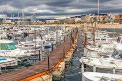 Typische Spaanse boten in haven Palamos, 19 Mei, 2017 Spanje Stock Afbeeldingen
