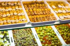 Typische Spaanse voedselmarkt. stock foto