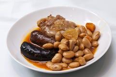 Typische spanische Mahlzeit Fabada Stockfotos
