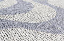 Typische steenvloer van Lissabon Stock Afbeeldingen