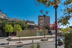 Typische Straße in der Stadt von Alexandroupoli, von Ost-Mazedonien und von Thrakien, Griechenland Stockfotos