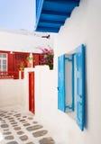 Typische Straße in einem Mittelmeerdorf Stockfoto