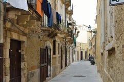 Typische Straße im alten Syrakus Stockfoto