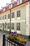 Typische Straße im Riga Lizenzfreies Stockfoto