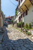 Typische Straße und Häuser vom Zeitraum der bulgarischen Wiederbelebung in der alten Stadt der Stadt von Plowdiw, lizenzfreie stockfotos