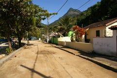 Typische straat in Abrao dorp, Ilha Grande stock fotografie