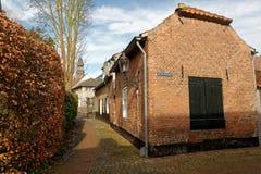 Typische straat in Ravenstein, Nederland royalty-vrije stock afbeelding