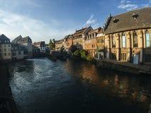 Typische straat van Colmar, Frankrijk Stock Fotografie