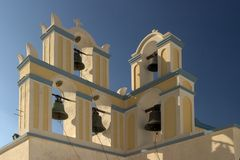 Typische Szene von der griechischen Insel von Santorini Lizenzfreie Stockfotografie