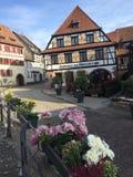 Typische Taverne in Elsass lizenzfreies stockfoto