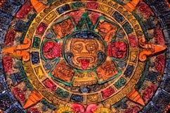 Typischer farbiger Clay Maya Calendar Stockbilder