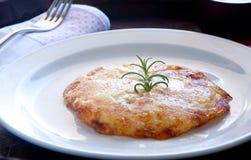 Typischer Friulian Teller Frico basiert auf Kartoffeln und Käse Stockfotografie