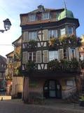 Typischer Hauslandsitz in Elsass stockbild