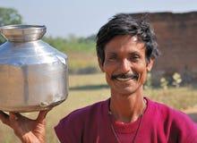 Typischer indischer Mann, der in den Dörfern in Indien lebt Lizenzfreies Stockfoto