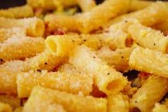 Typischer italienischer Teller: Teigwaren Stockbild
