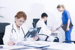 Typischer Tag in der Arztpraxis Lizenzfreie Stockbilder