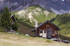 Typisches Gebirgshaus Stockfotos
