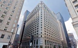 Typisches historisches Gebäude in Chicago Lizenzfreie Stockfotos