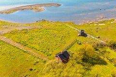 Typisches kleines rotes schwedisches Haus auf der Insel von Oland Lizenzfreie Stockbilder