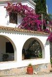 Typisches mediterrenean Haus Stockbild
