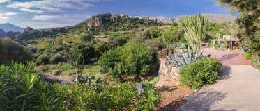 Typisches Panorama der sizilianischen Landschaft Touristisches Dorf von Scopello stockbilder