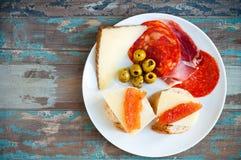 Typisches spanisches Mittagessen Lizenzfreies Stockfoto
