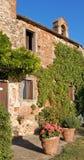 Typisches toskanisches Bauernhaus stockfotografie