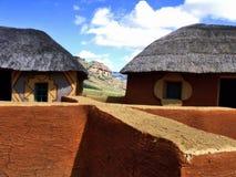 Typisches Zulu- Dorf Stockfotografie