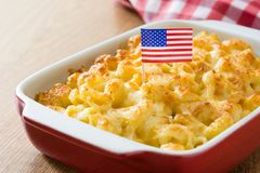 Typisk amerikansk makaroni och ost Royaltyfria Bilder