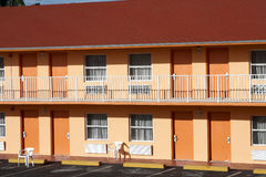 typisk amerikanskt motell royaltyfri bild