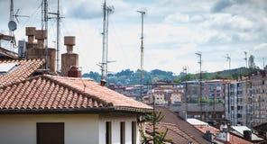 Typisk arkitektur för bostads- byggande av Irun, Spanien royaltyfri fotografi
