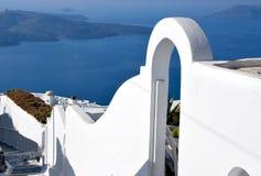 Typisk arkitektur i den Santorini ön royaltyfria foton