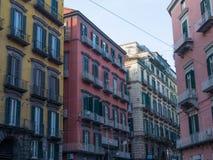 Typisk arkitektur i mitten av Naples Arkivbild