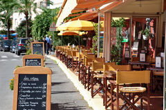 Typisk fransk restaurangplats Royaltyfri Bild