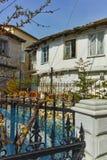 Typisk gammalt huslandskap i den Panagia byn, Thassos ö, Grekland Royaltyfria Bilder