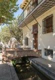 Typisk gatavattenväg och ingång till ett hus Anna Valencia Spain Royaltyfria Foton