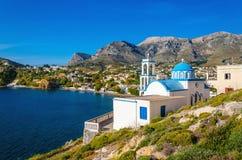 Typisk grekblåttkupol av kyrkan, Kalymnos, Grekland Royaltyfri Foto