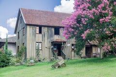 Typisk hus Bento Goncalves Brasilien Arkivfoton