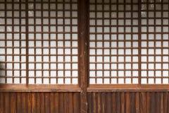 Typisk japansk dörr royaltyfri foto
