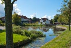 Typisk liten stad i Danmark Royaltyfri Bild