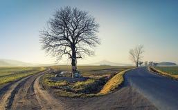 Typisk litet kapell på sida av en väg i Silesia, Polen Arkivfoto