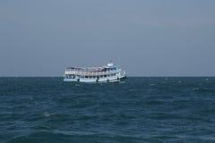 Typisk passagerarefartyg av Thailand Arkivbild