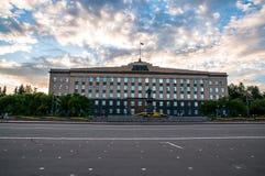 Typisk polsk arkitektur i Rzeszow arkivfoton